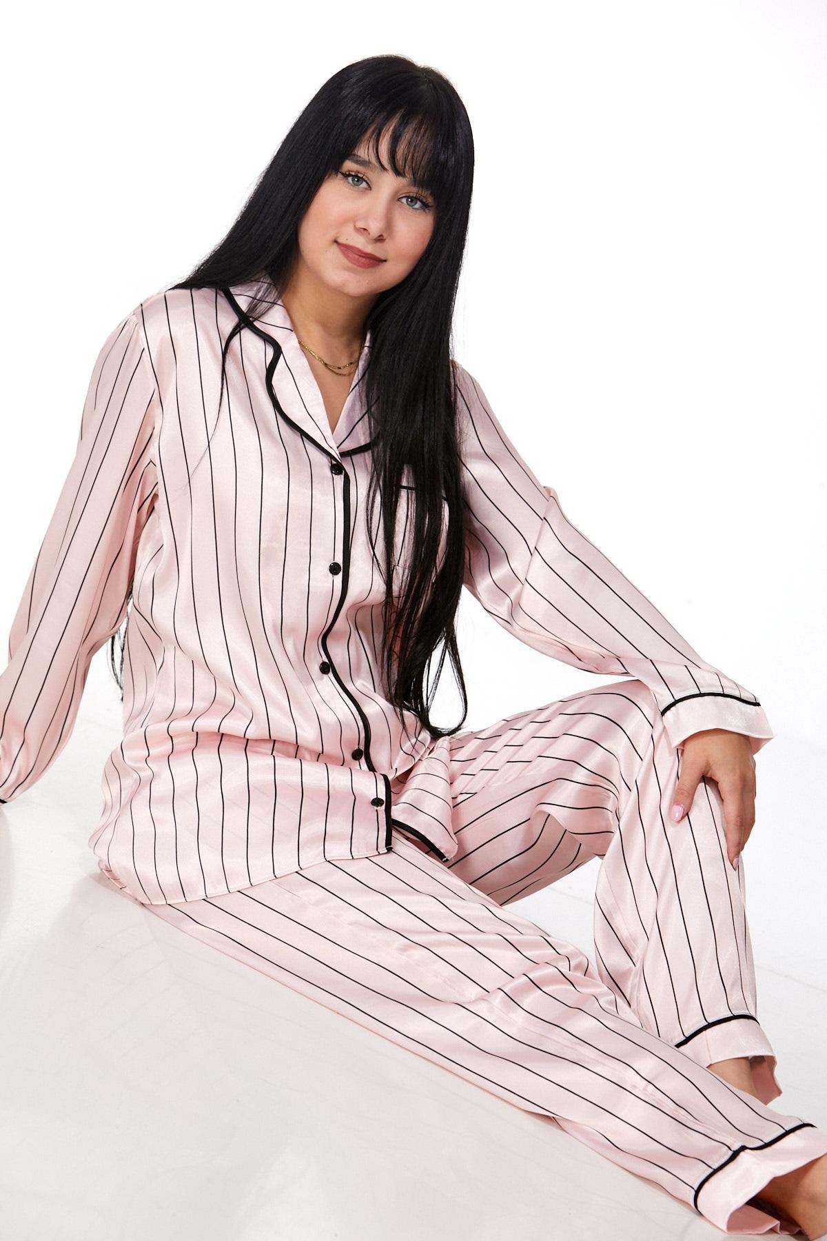 Elegantní pyžamo pro ženy 1E8235