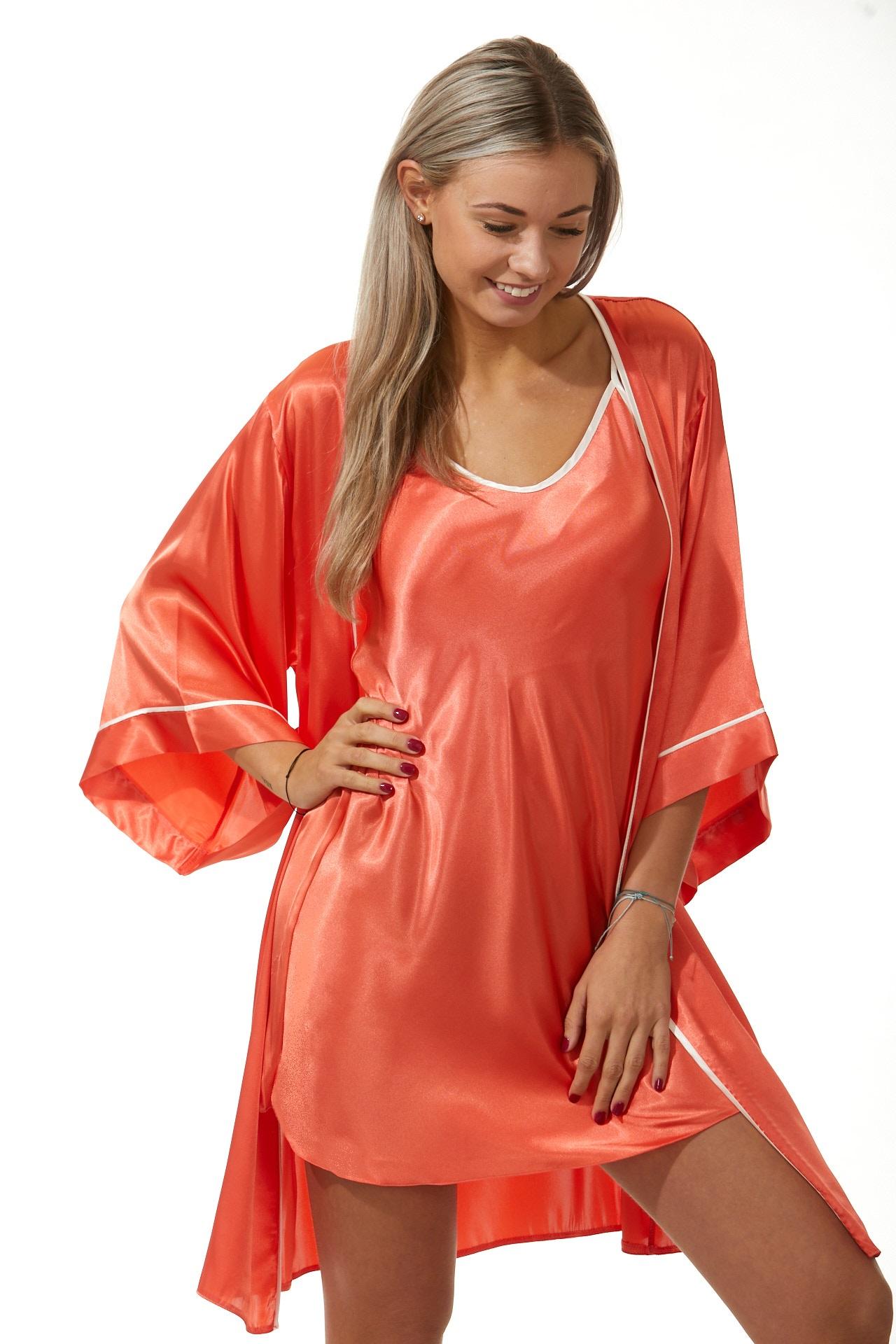 Luxusní košilka a župan v dokonalém kompletu pro ženy 1E8286