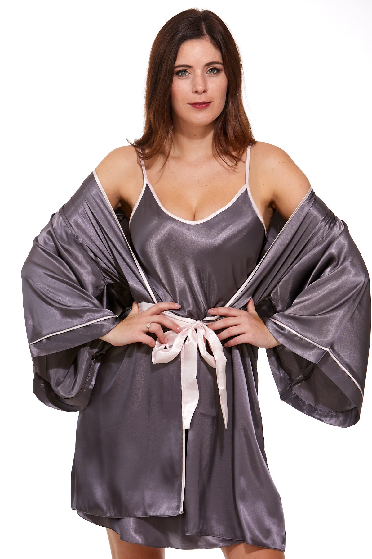 Luxusní košilka a župan v dokonalém kompletu pro ženy 1E8284